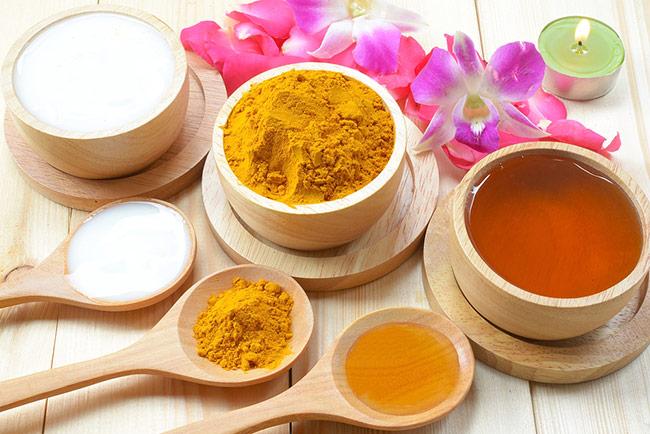 Tinh bột nghệ mật ong giúp giảm các cơn đau dạ dày nhanh chóng